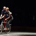 [Ay-Roop] Manifeste et Dad is dead : un pont entre théâtre cirque