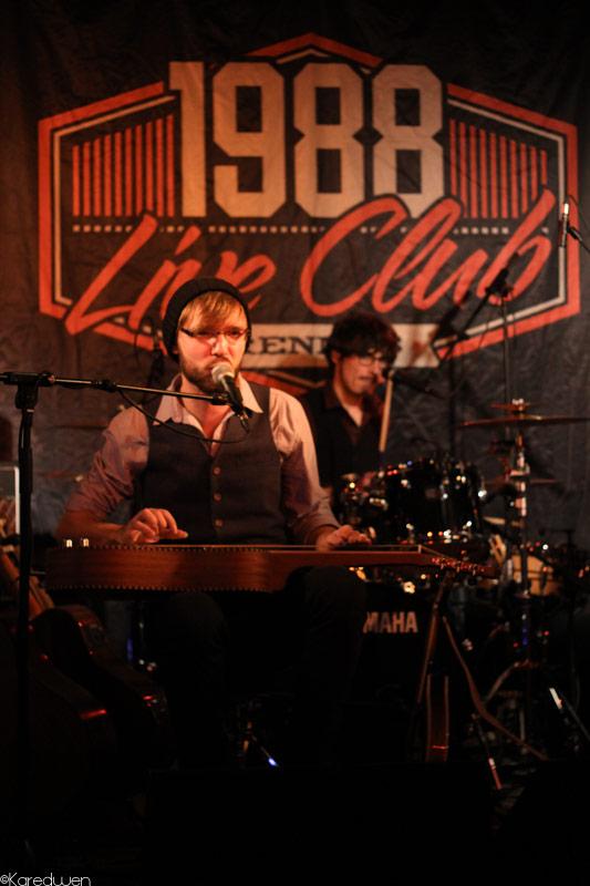 Rennes music club riffs slide au 1988 for 1988 club music