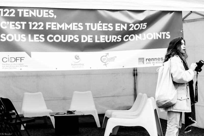 122 robes contre la violence faite aux femmes. Black Bedroom Furniture Sets. Home Design Ideas