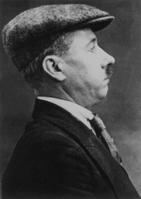 B._Traven_aka_Red_Marut_arrest_photo_in_London_1923