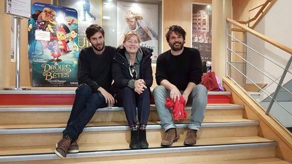 Damien Stein (à gauche) accompagné de Béatrice Macé et Luc Reder, producteur, à l'issue de la séance - DR