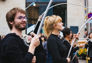 "Expérience 1 : Andreas Trobollowitsch ""Santa Melodica Orchestra"", marché des Lices"