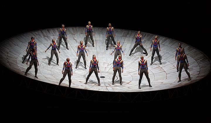 Omphalos et ses danseurs - Photo Emmanuel Adamez