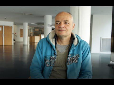 Pierre-Yves Chapalain, auteur et metteur en scène de la pièce, dans les murs du TNB